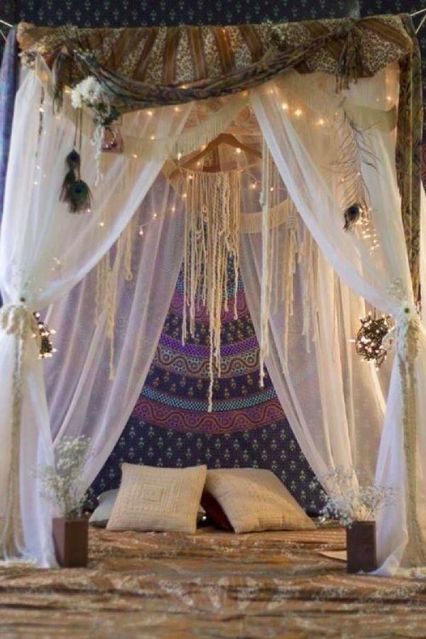 Idées déco : Un ciel de lit pour une chambre bohème et cosy | DecoCrush