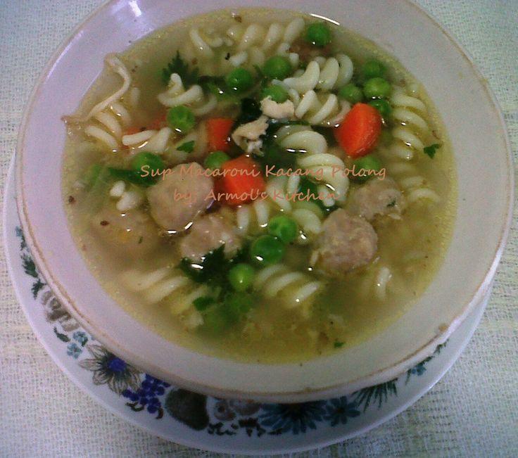 Sup Macaroni Kacang Polong  Yuk simak resepnya http://aneka-resep-masakan-online.blogspot.co.id/2016/02/resep-sup-macaroni-ayam-kacang-polong.html