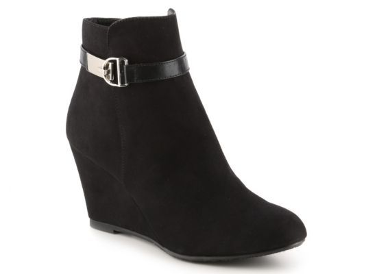 Women's CL by Laundry Victoria Wedge Bootie - Black