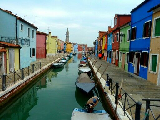 mytripadvice: Venice Take the Vaporetto to Murano (blown glass) and Burano (Lace) to get away from the crowds