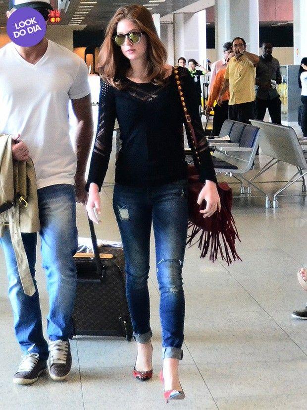 Look do dia: Marina Ruy Barbosa mostra estilo para viajar de avião