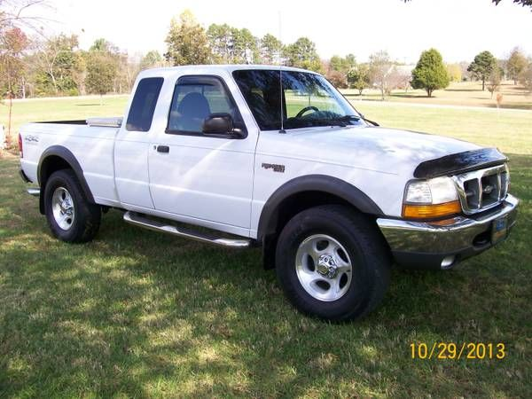 make ford model ranger year 2000 body style extended cab pickup exterior color white interior color charcoal doors four door vehicle con pinteres