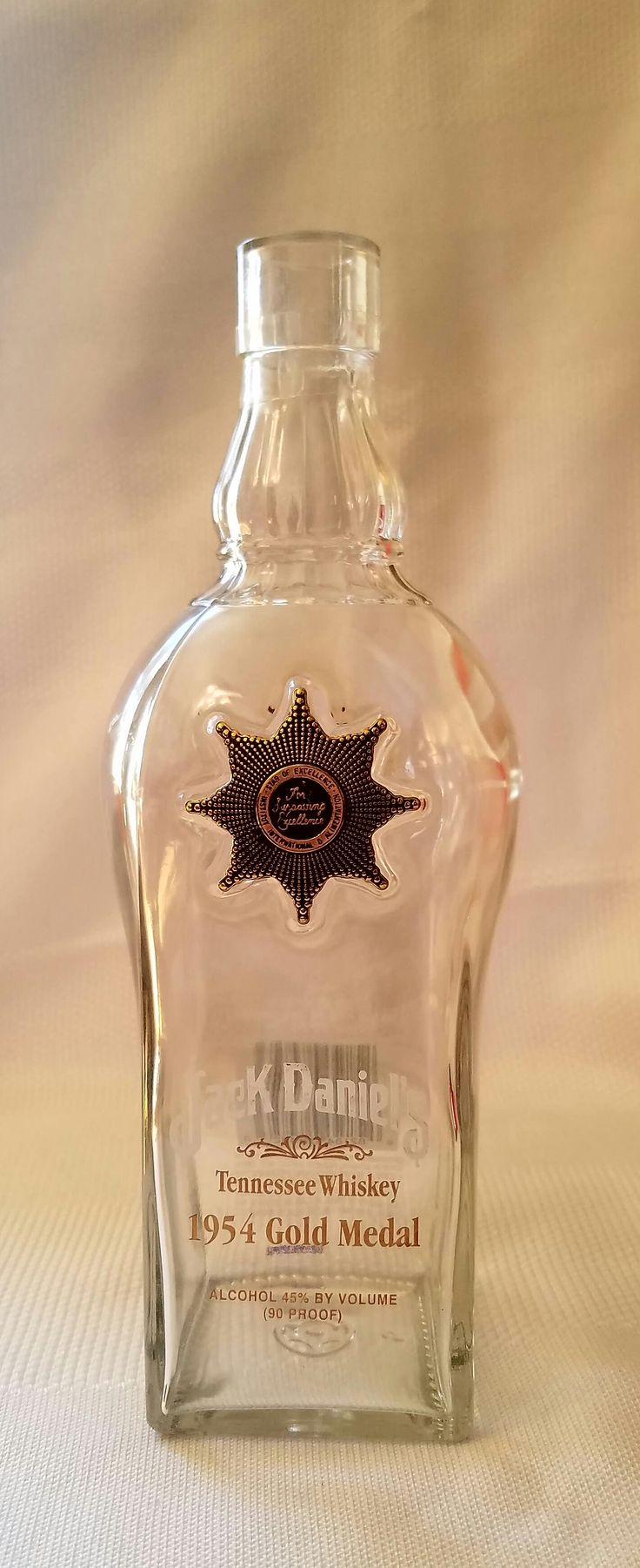 Jack Daniels Tennessee Whiskey 1954 Gold Medal Limited Edition Bottle 130960 Front