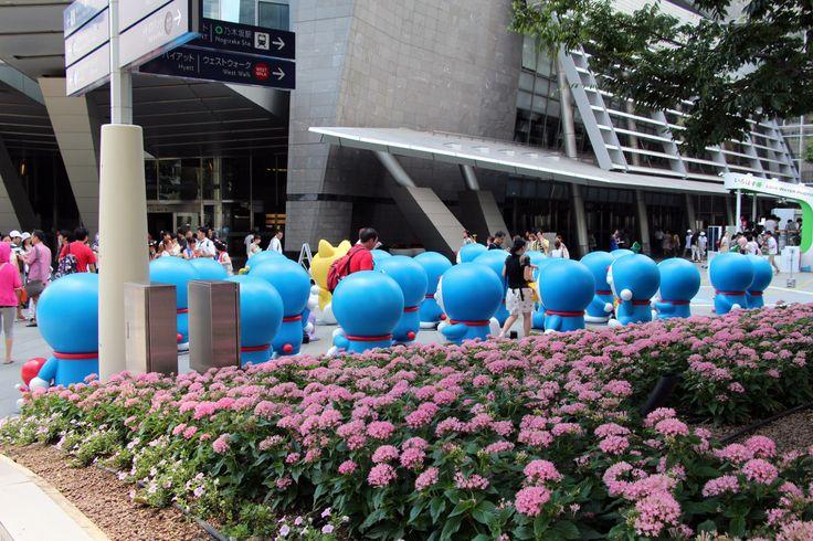 Invasion de Doraemon dans le quartier de Roppongi Hills | DozoDomo