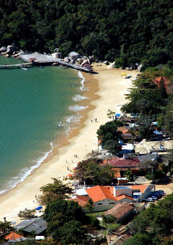 Praia das Laranjeiras (Orange Tree Beach), Balneario Camboriu, Santa Catarina, Brazil.