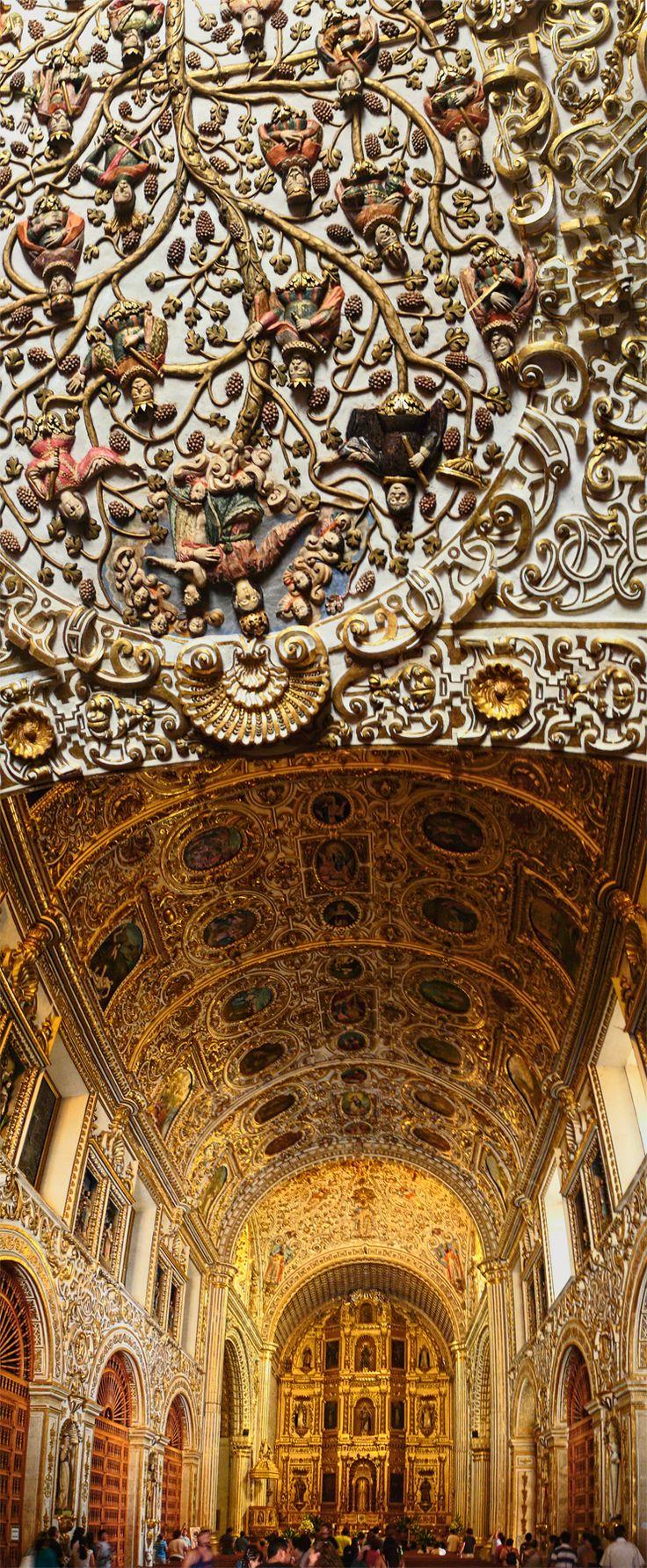 The amazing plaster entry to the Iglesia de Santo Domingo, Oaxaca, México
