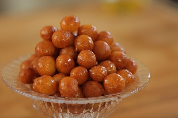 لقيمات اللبن Middle Eastern Desserts Arabic Sweets Recipes Egyptian Food