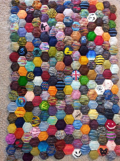 Ravelry: Project Gallery for the beekeeper's quilt pattern by tiny owl knits