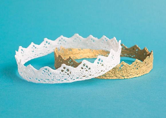 Got a spare couple of hours and some pretty lace? Great. Let's do it!: Crowns Ta, Pretty Lace, Lace Crowns, Blog, Wear Crowns