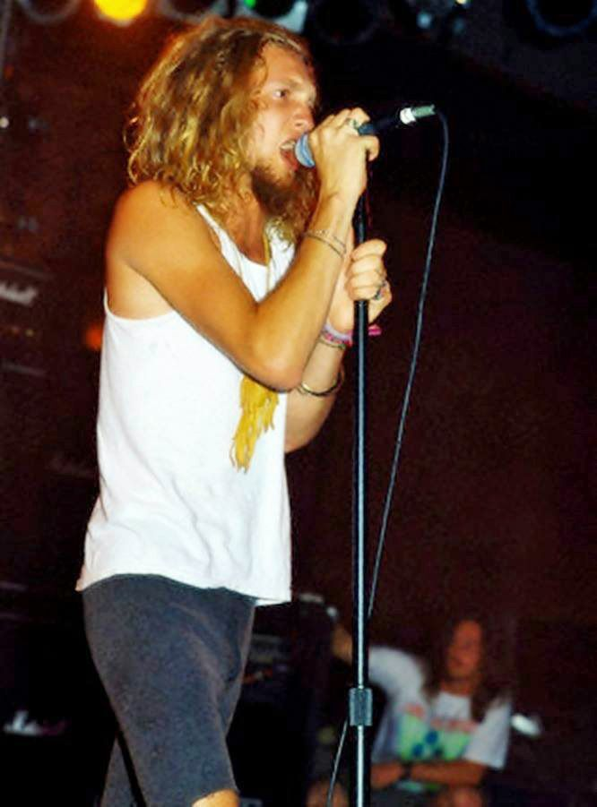46 best Layne Fan Art images on Pinterest | Layne staley, Alice and ...