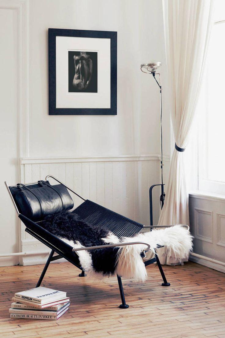 PP Mobler — Flag Halyard Chair By Hans Wegner Black — THE LINE