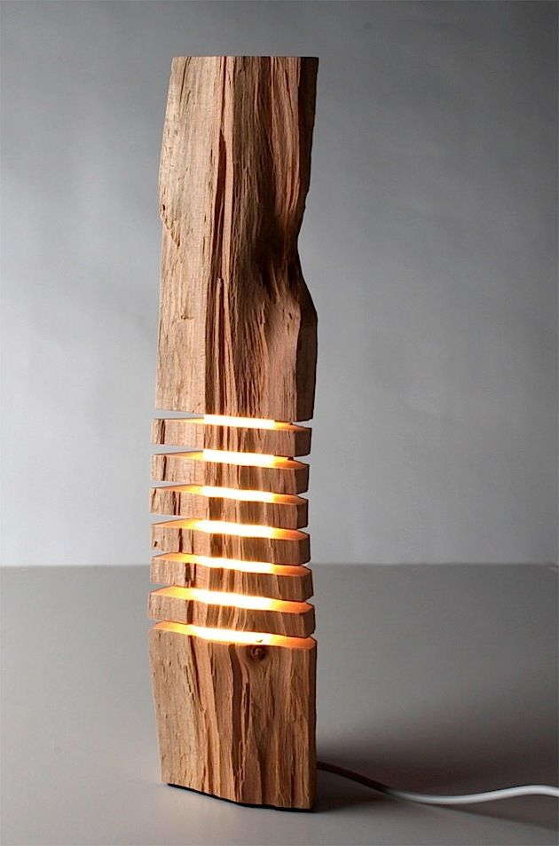 Mögt ihr Holz und seid auf der Suche nach einer besonderen Lampe oder Skulptur? Dann gefallen euch vielleicht die Sachen von Split Grain. Paul Foeckler wählt die schönsten Stücke kalifornischer Zypressen aus, um aus ihnen Skulpturen und Lampen zu bauen. J
