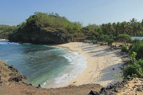 Pantai Srau   Pacitan, Jawa Timur