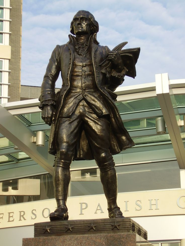 monument statues | thomas jefferson statue this bronze statue greets visitors to the