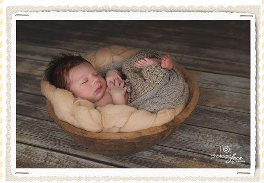Adorable little baby boy Image: Valentina Rebeschini website: www.photograface.com  #newbornphotography #newbornphotographerlondon  #bumptobaby #londonnewbornphotography #londonnewbornphotographer #londonphotography #londonphotographer #newbornphotographerbattersea #newbornphotographerclapham #newborn #newborns #bellyphoto #bellyphotos #newbornphoto #newbornphotography #newbornphotograper #newborns #baby #babies #photografacebyvalentina  #babyphotos #cutebaby