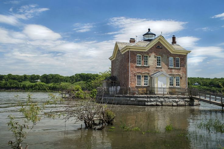 You Can Actually Stay Overnight In This Historic Hudson Valley Lighthouse  - CountryLiving.com