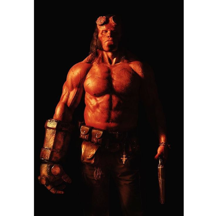 HOLY CRAP!!! Here's the first image of David Harbour as Hellboy.  What do you think? I like it.  And on another note have a great day! I'm going to check out the Boekenfestijn and @lattesandliteraturebreda. -Melvin #Hellboy #davidharbour #strangerthings #darkhorse #comics #mikemignola #darkhorsecomics #beefcake #squadgoals #gym #righthandofdoom #goodsamaritan #geek #geekgasm #geeklife