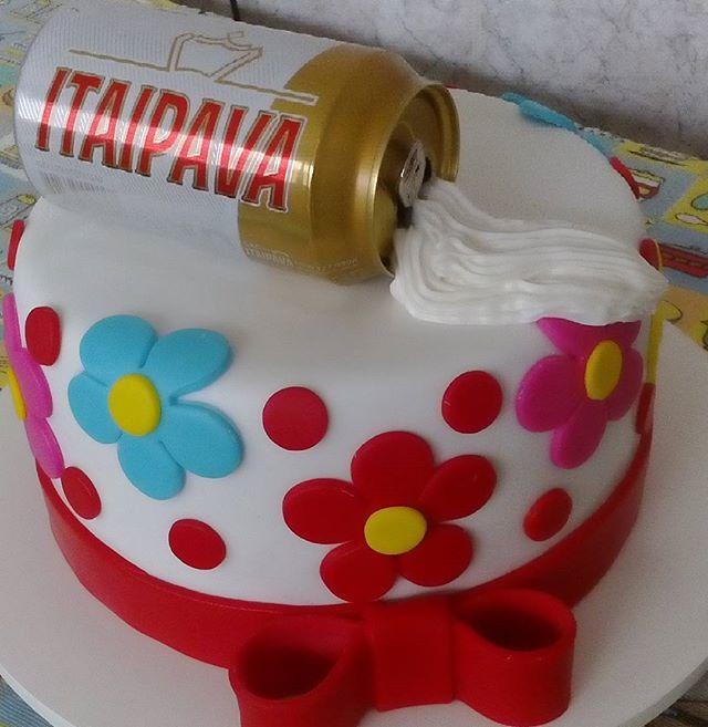 Bolo Cerveja 🍺🌸🌸 #bolo #cake #pastaamericana #bolocerveja #itaipava