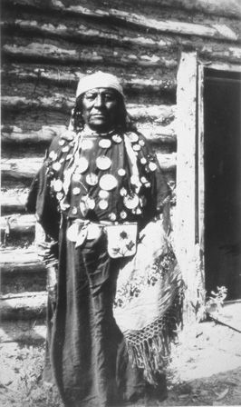 "1889- An American physician named Holder writes the first record on the renowned Crow boté (3rd-gender) named Osh-Tisch, ""...a splendidly formed fellow of prepossessing face, in perfect health, active in movement & happy in disposition... He is 33 years of age & has worn woman's dress for 28 years... He is, like the female members of the tribe, ready to accommodate any male desiring his services."" 60 years later, other Americans will report 4 boté regularly visited by young men for oral sex."