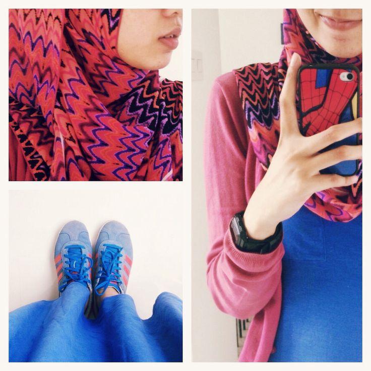 #ootd hijab outfit : maxi skirt, cardigan, adidas, pattern, blue vs magenta! #fien