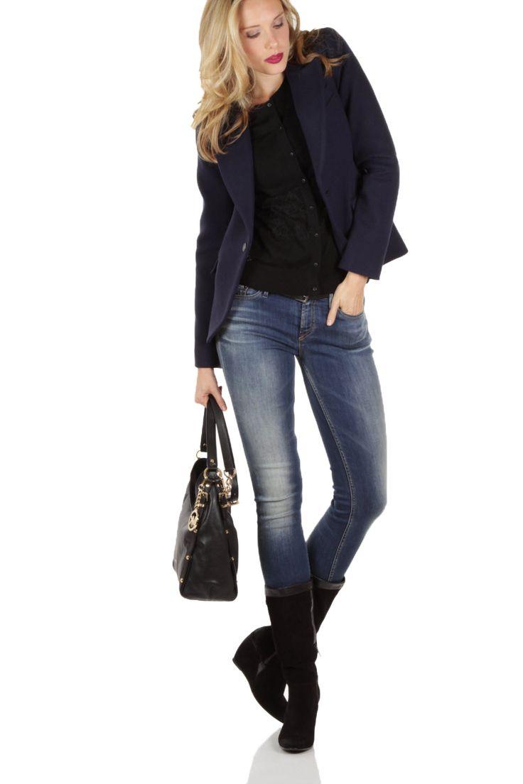 Met wedge sneaker, leren blauwe of zwarte broek, blouse of marine top Van 380 voor 114! Denham Blazer Goldsmith | blauw