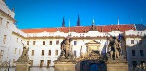 L'entrée du château de #Prague. #RépubliqueTchèque