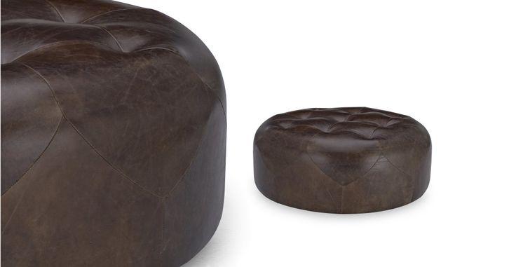http://www.made.com/fr/scott-pouf-cuir-marocain-rond-brun-retro