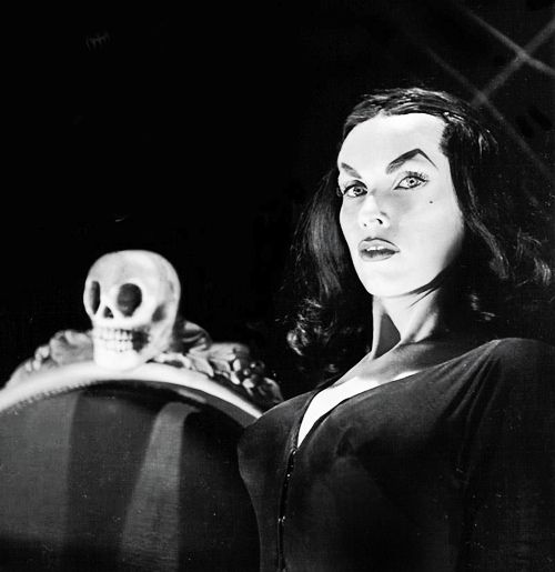 Vampira, 1954