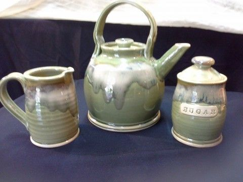 Beautiful Soothing Green from www.doingearthpottery.com