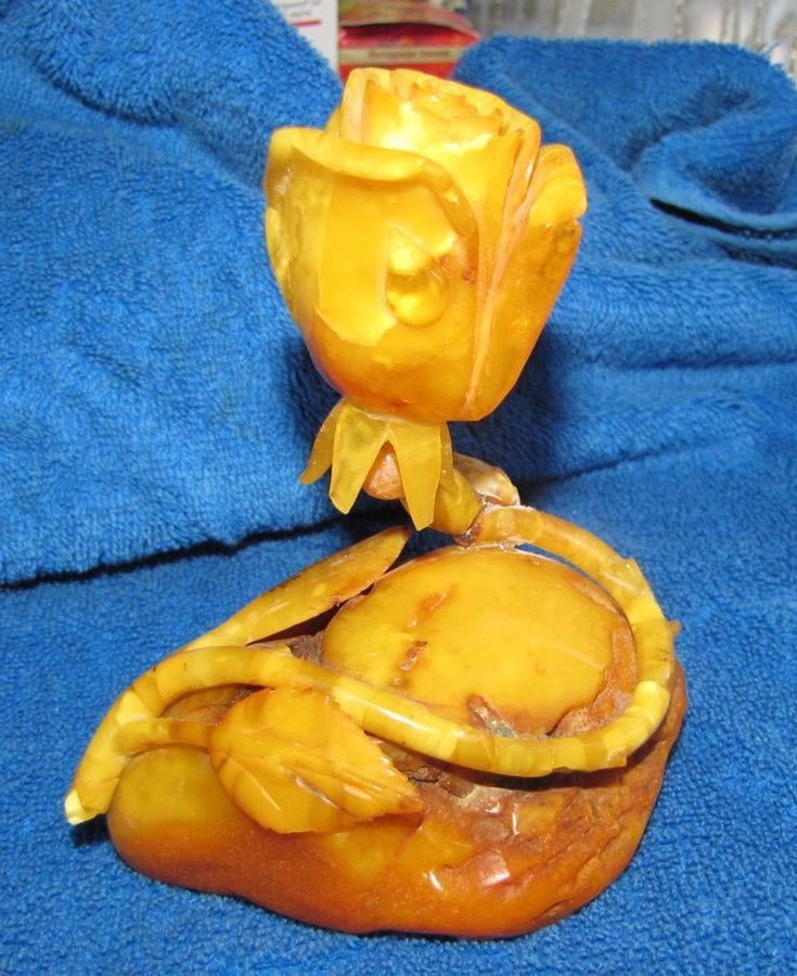 Real Baltic amber 186 g yolk yellow flower figurine rose 琥珀 Konigsberg antique #HandMade