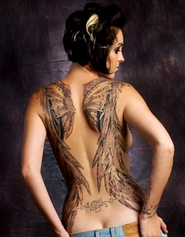 Tatoo fresa sexy espalda