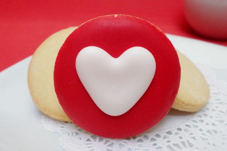 Galleta circular de corazón. #Galletas #Decoradas #SanValentín