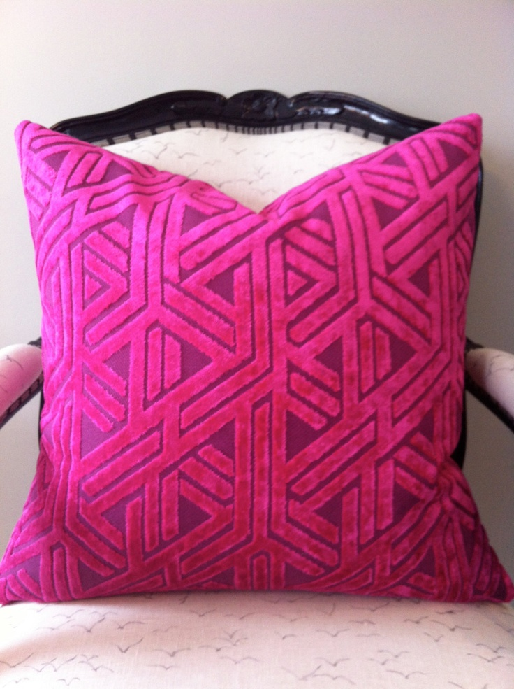 Fuschia Velvet Throw Pillows : 17 Best images about All about PILLOWS by Dulce Edrress on Pinterest Heart pillow, Throw ...