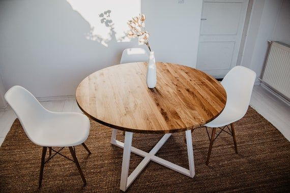 Table De Cuisine Ronde En Bois Table Extensible Ronde Plateau En Chene Extensible Table En Acier Cadre Blanc Table Scandinave Mane White Ii In 2020 Dining Table Round Dining Table Round