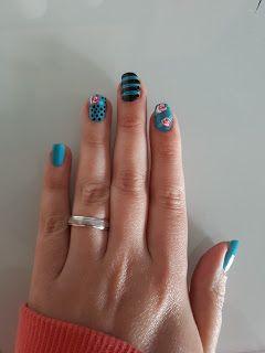 Las uñas de Anita:   ¡Buenas! Hoy he hecho por primera vez una ros...