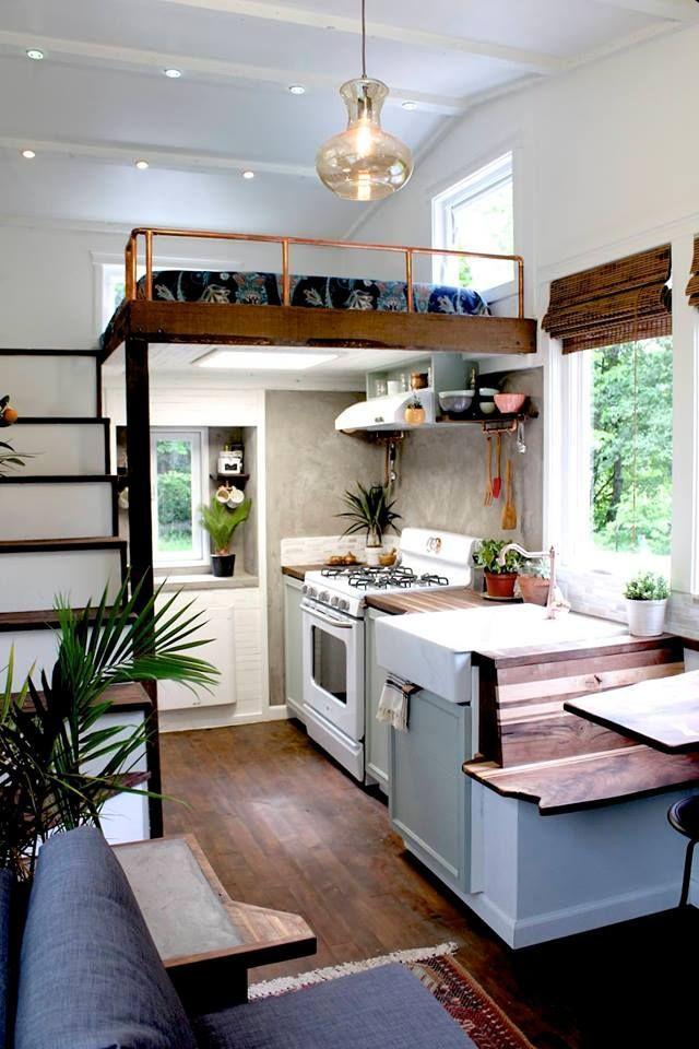 Cuando el arte se junta con la vida en diminuto, el resultado es esta hermosa casa diminuta de Handcrafted Movement.