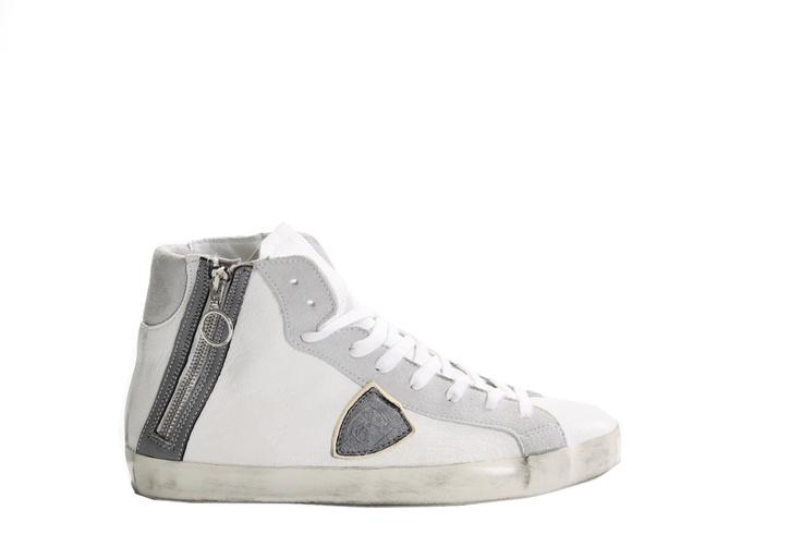 La versione alta della scarpa più ammirata del momento!   La trovate da Tadiotto Vittorio Veneto  http://www.negozidiscarpe.it/news/philippe-model-zip_175.html