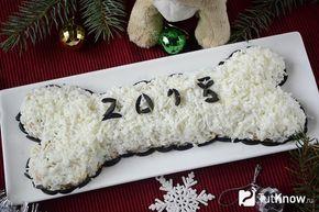 Готовый салат в виде косточки на Новый год 2018