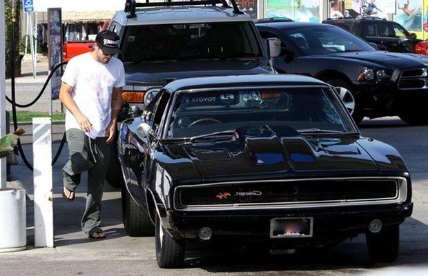 Celebrity Cars Videos by Popular - mefeedia.com
