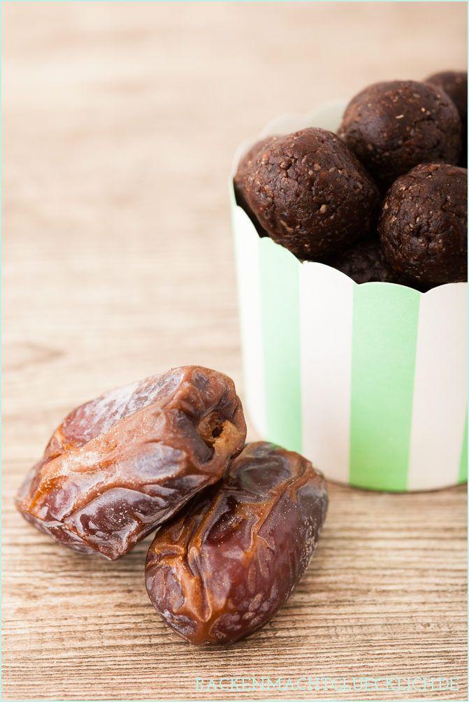 Backen macht glücklich | Superschokoladige, fettarme und gesunde Pralinen | http://www.backenmachtgluecklich.de