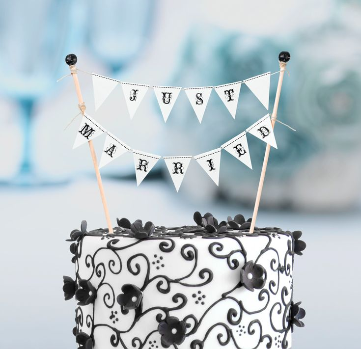 Just Married Cake Bunting - LRWF244