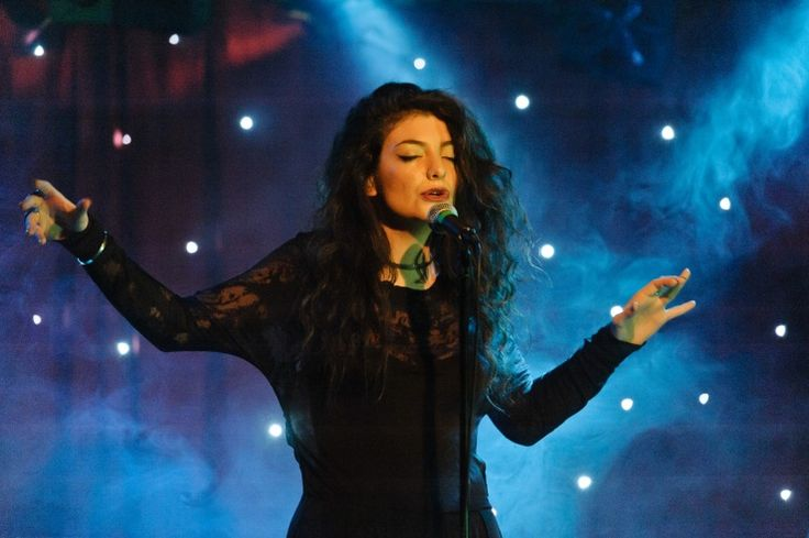 Lorde | GRAMMY.com: Concert, Queens, Celebrity Obsession, Google Search, Posts, 17Th Birthday, Palace, Queen Lord