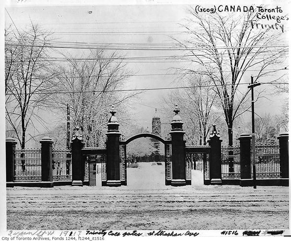 Trinity College gates. Toronto. 1916.