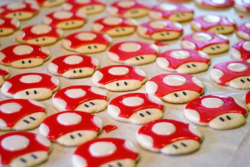 MINI MUSHROOMS: I would like one Mario-related item at the wedding, since it is a big part of us and our upbringings. These are really cute too, and soemwhat classy cookies.