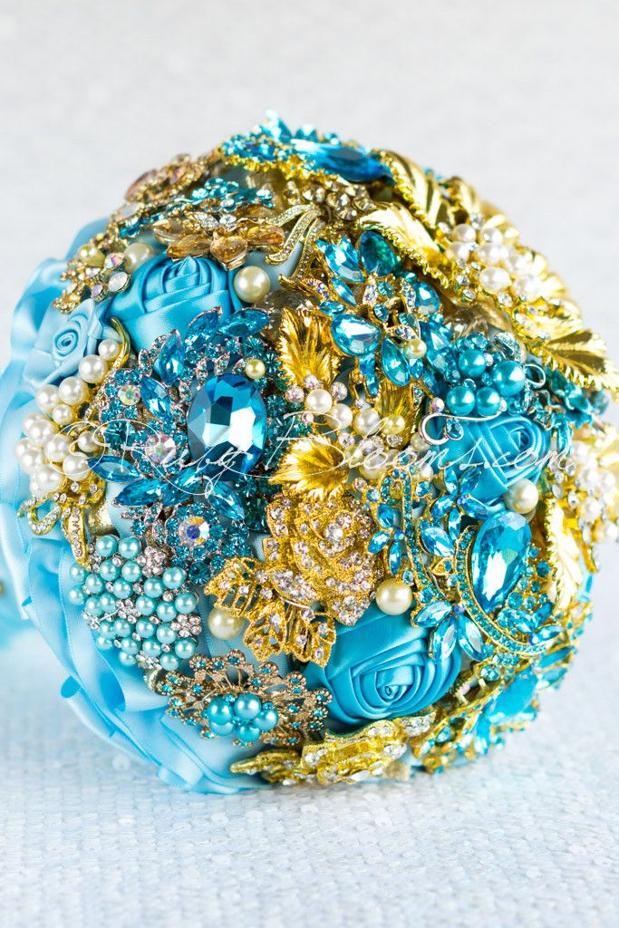987 best bouquets images on pinterest for Turquoise gold wedding theme