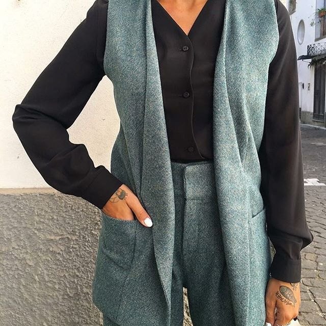 Details.  Gilet and trousers #siennafashion