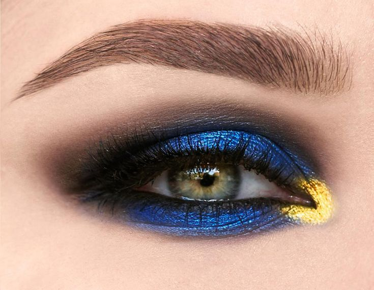 Pat McGrath's Phantom 002 Eye Makeup  #makeup #eyemakeup