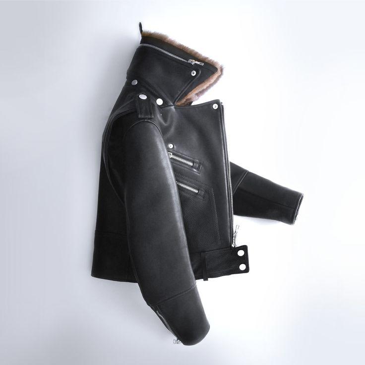 Waterproof Italian leather moto with a modular, removable lamb shearling fur collar.