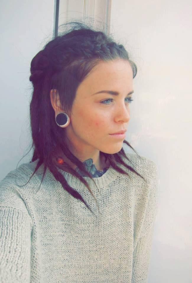 Dreads & side cut Hair, makeup, clothes, tattoos, piercing, etc P ...
