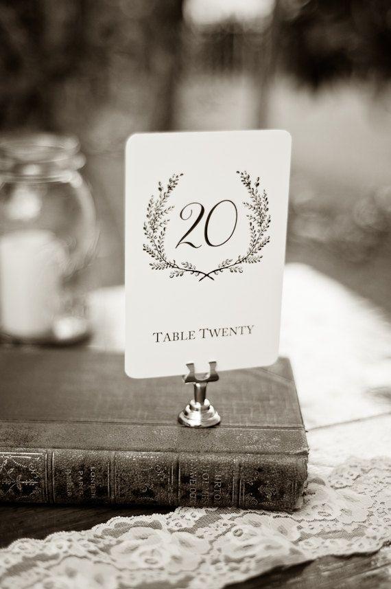 Détenteurs de cartes de Table classique en acier par SixpencePress